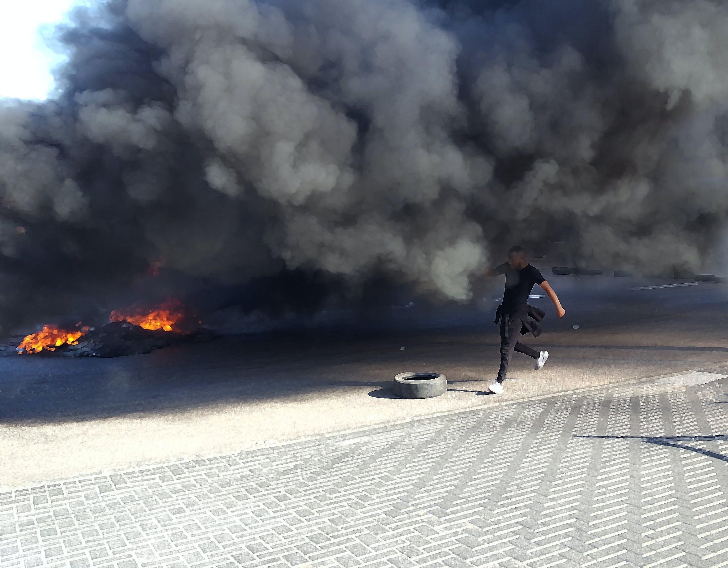 Gratis lagerfoto af brand, brænde, dæk, gift