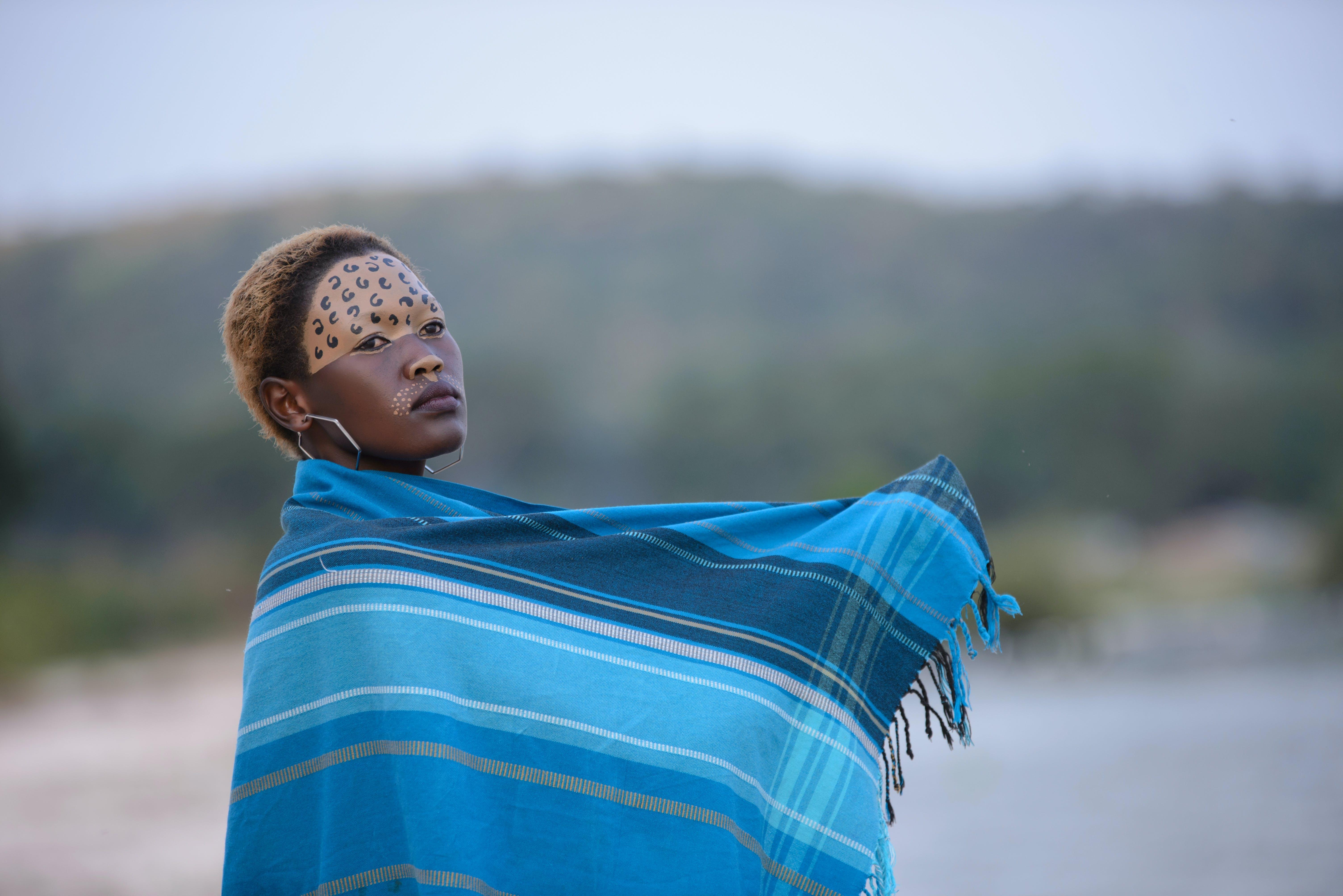 アフリカ系アメリカ人女性, スカーフ, ファッション, フェイスペイントの無料の写真素材