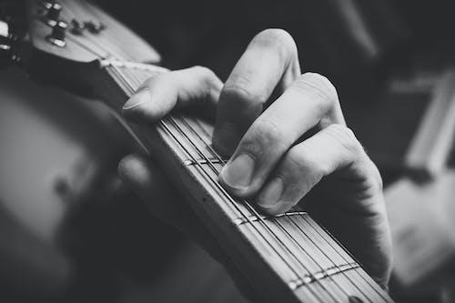 Kostenloses Stock Foto zu akkord, finger, gitarre, instrument