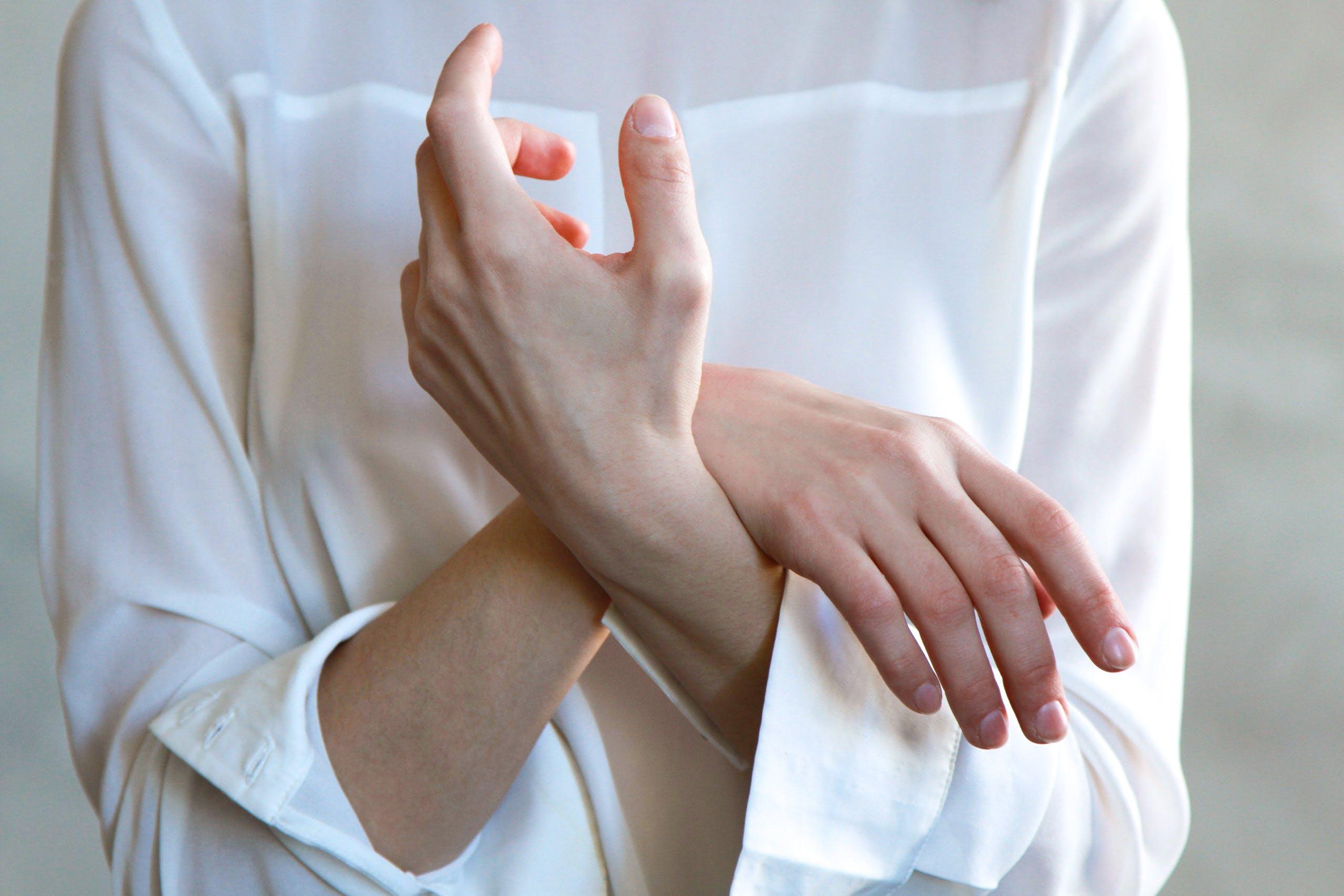 Women's White Long-sleeved Top