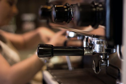 Darmowe zdjęcie z galerii z akcja, bar, ekspres do kawy, kawa