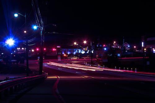 Безкоштовне стокове фото на тему «довга експозиція, дорога, місто, ніч»