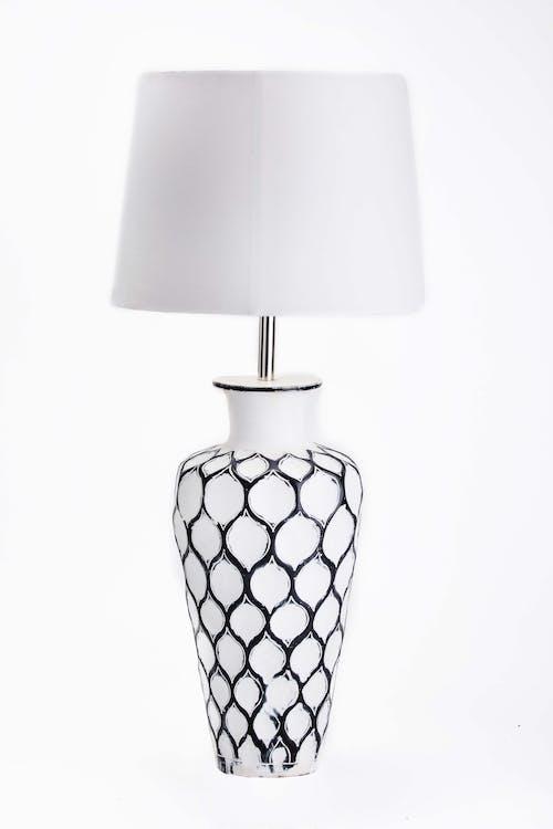 Безкоштовне стокове фото на тему «домашній декор, лампа, настільна лампа, ручної роботи»