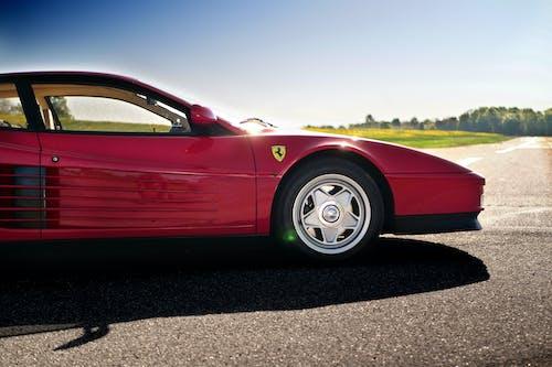 Základová fotografie zdarma na téma asfalt, auto, automobil, automobilový