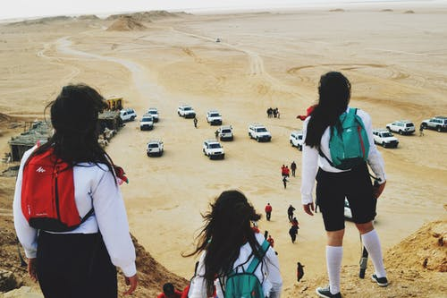 Fotobanka sbezplatnými fotkami na tému auto, dievča, dievčatá, hrdina