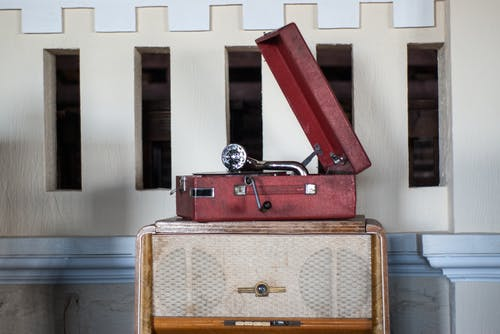 Free stock photo of Old school record player