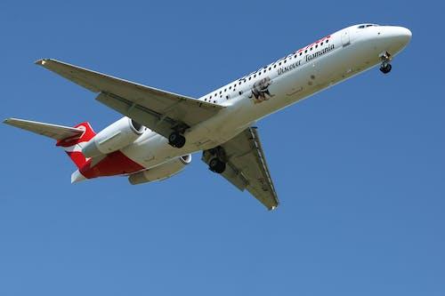 Foto stok gratis Bandara, jet, kapal terbang, keberangkatan