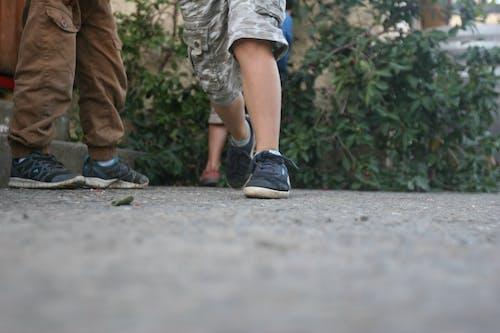 feets, コンクリート, 地面, 足の無料の写真素材