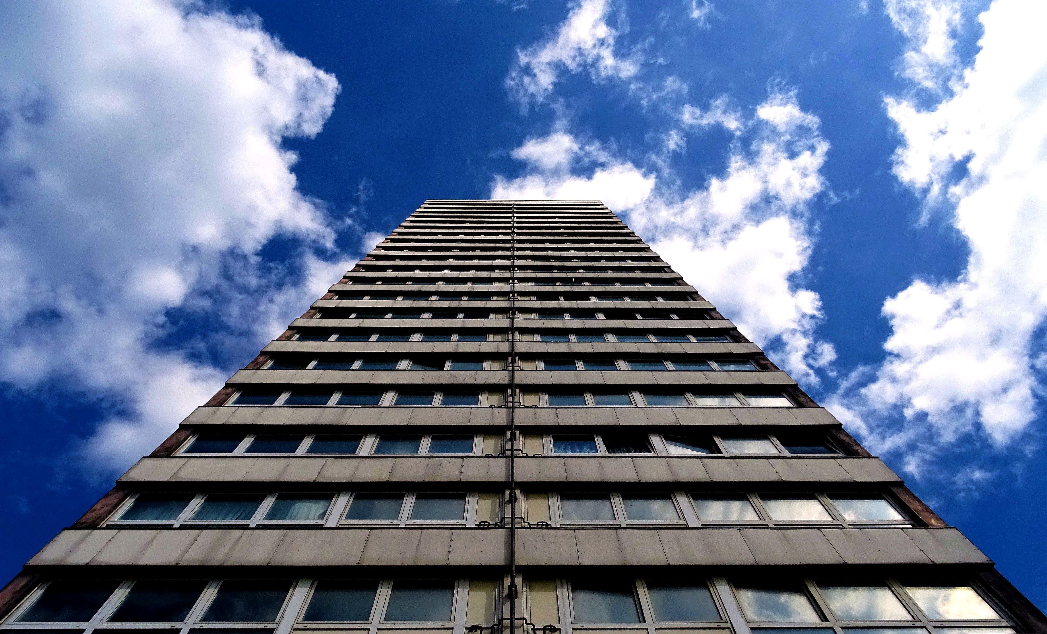 Kostenloses Stock Foto zu architektur, aufnahme von unten, außen, bau