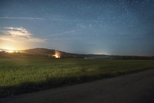 Darmowe zdjęcie z galerii z długa ekspozycja, gwiazdy, krajobraz, natura