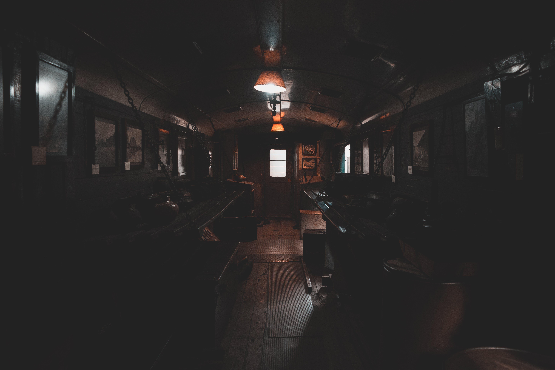 Kostenloses Stock Foto zu abend, bar, drinnen, eisenbahn