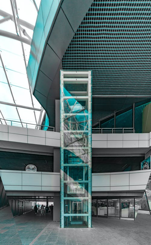 Edificio Verde Y Blanco