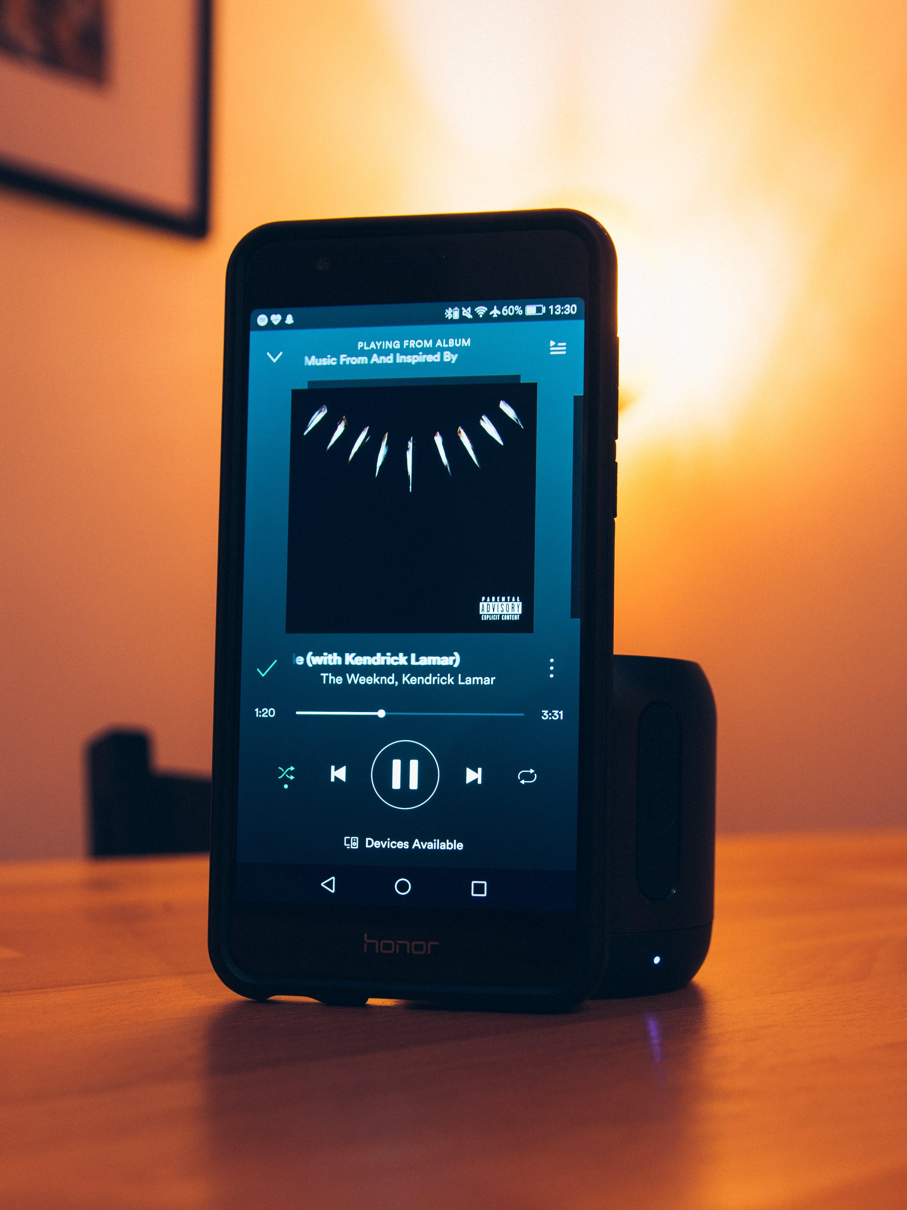 Free stock photo of smartphone, music, speaker, spotify