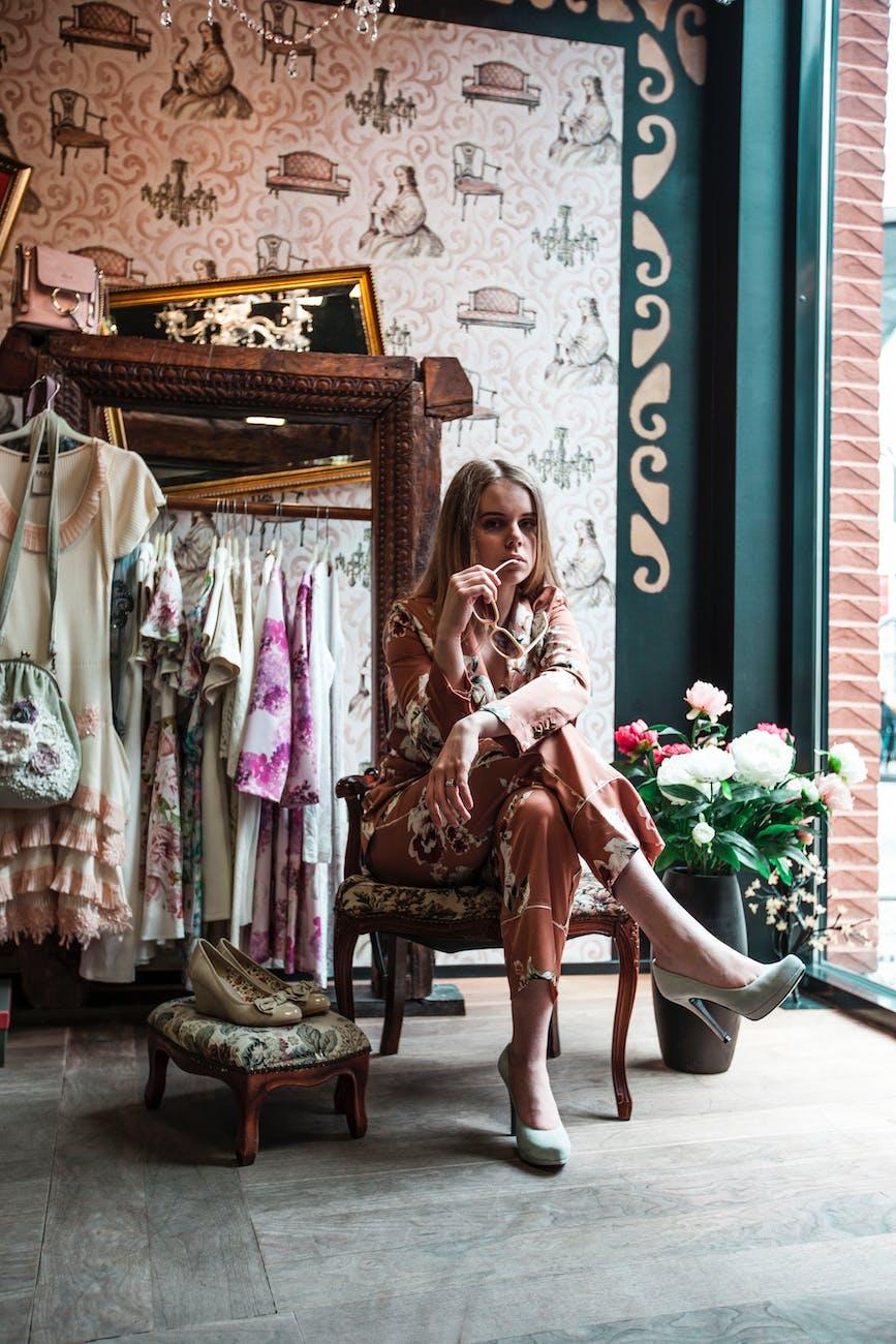 小设计师与批量生产的产品 迷人的羊绒:你需要知道的 缝纫秘密