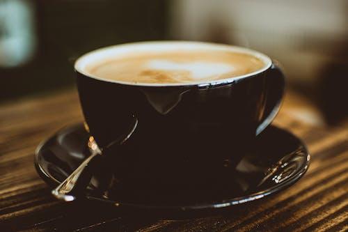 Foto d'estoc gratuïta de atractiu, beguda calenta, borrós, cafè