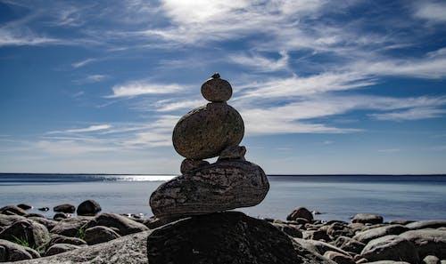 Ingyenes stockfotó ég, egyensúlyoz, kavicsok egyensúlyozása, kövek témában