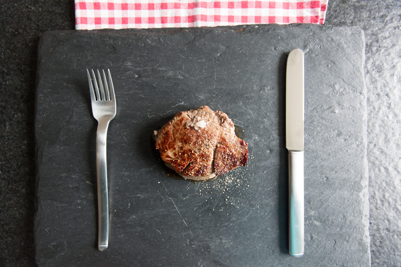 Gratis lagerfoto af bestik, bøf, forgrening, kød