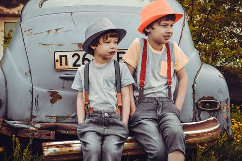 保險槓, 兄弟姐妹, 孩子, 帽子 的 免费素材图片
