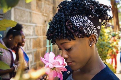 Бесплатное стоковое фото с афро-американка, Бандана, Взрослый, девочка