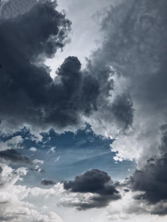 den, denní světlo, dramatická obloha
