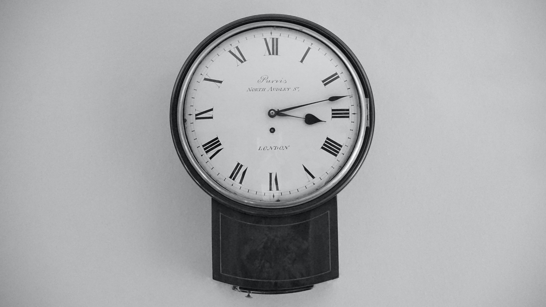 Бесплатное стоковое фото с аналоговый, Антикварный, белый, время