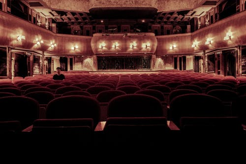 Immagine gratuita di architettura, auditorium, camera, cinema