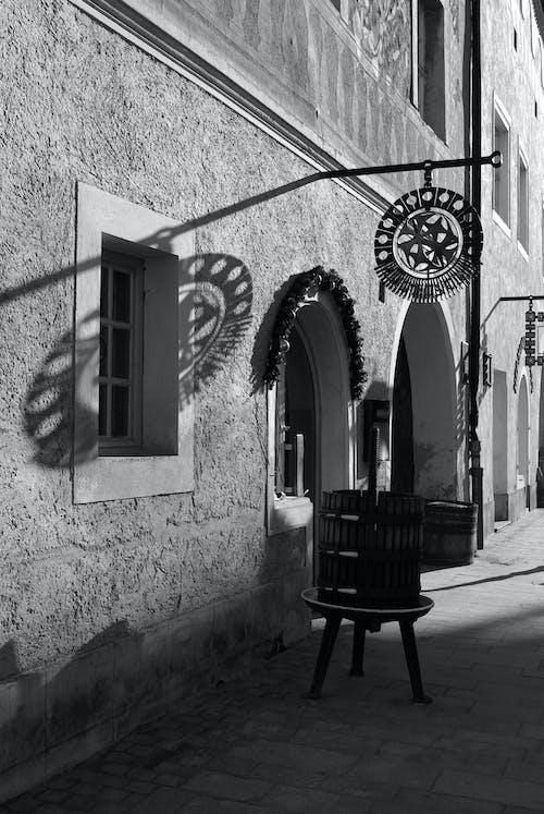 Immagine gratuita di bianco e nero, casa d'epoca, piccola città, ungheria