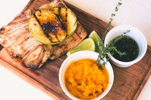 Foto d'estoc gratuïta de àpat, carn, cuina, de fusta