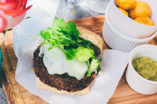 Foto stok gratis burger, daging, hidangan, kertas pembungkus