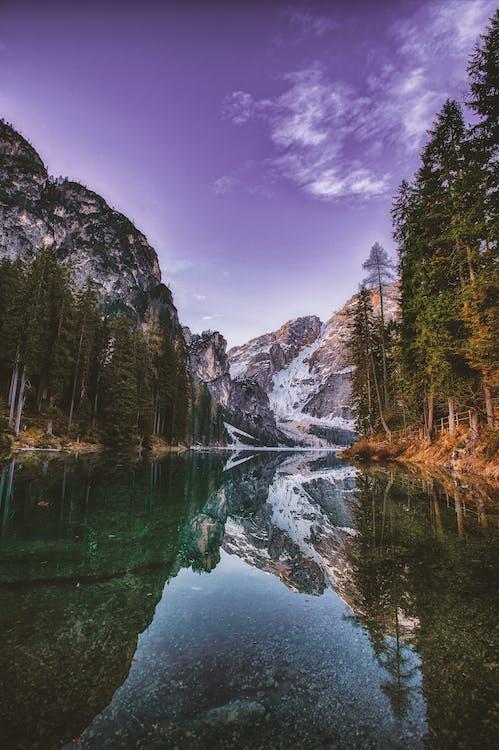 берег озера, вода, гора