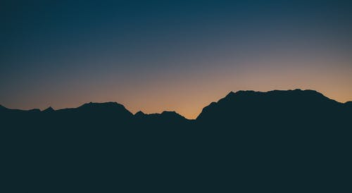 Безкоштовне стокове фото на тему «вечір, гори, Захід сонця, золота година»