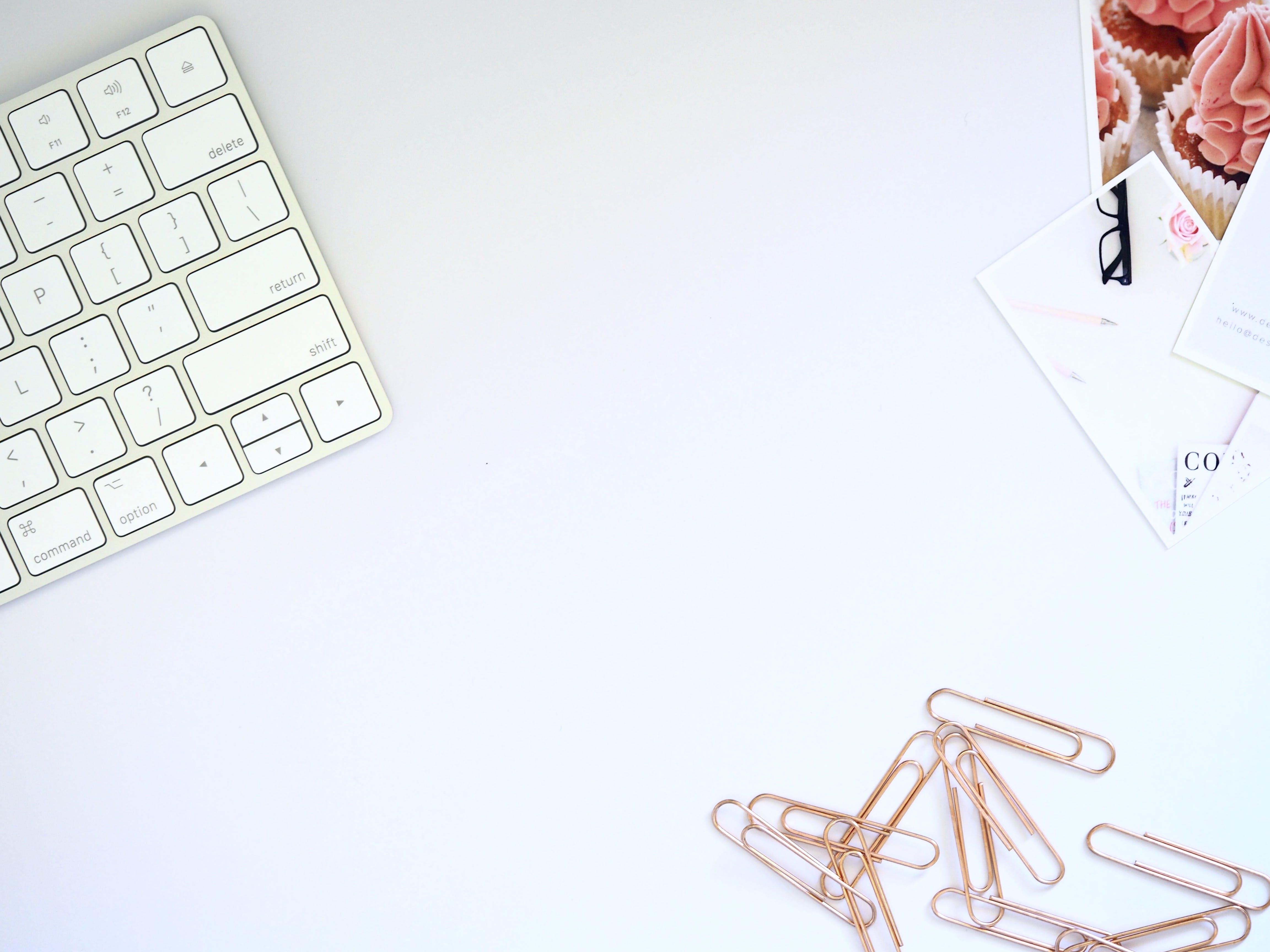 Kostenloses Stock Foto zu arbeitsbereich, arbeitsplatz, desktop hintergrundbilder, desktop-hintergrund