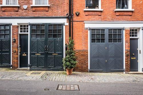 Immagine gratuita di facciata, marciapiede, mattone, parte anteriore