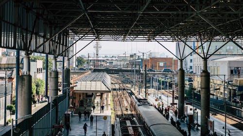 Fotobanka sbezplatnými fotkami na tému cvičiť, ľudia, vlaková stanica, železnica