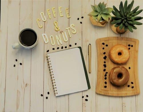 Бесплатное стоковое фото с блокнот, деревянный, дизайн, заводы
