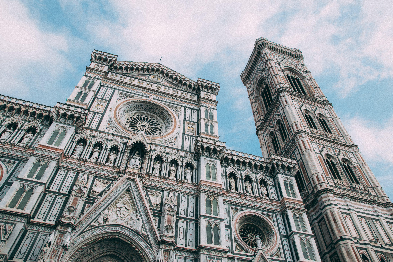 Ingyenes stockfotó alacsony szögű felvétel, építészet, épület, Európa témában
