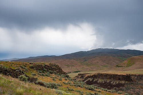 Gratis stockfoto met berg, daglicht, gras, hemel
