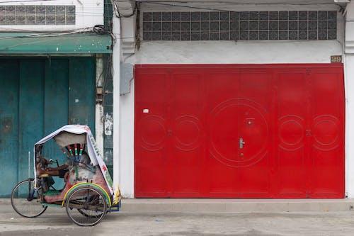 Gratis lagerfoto af gade, gadefotografering, gadehjørne, rød firkant