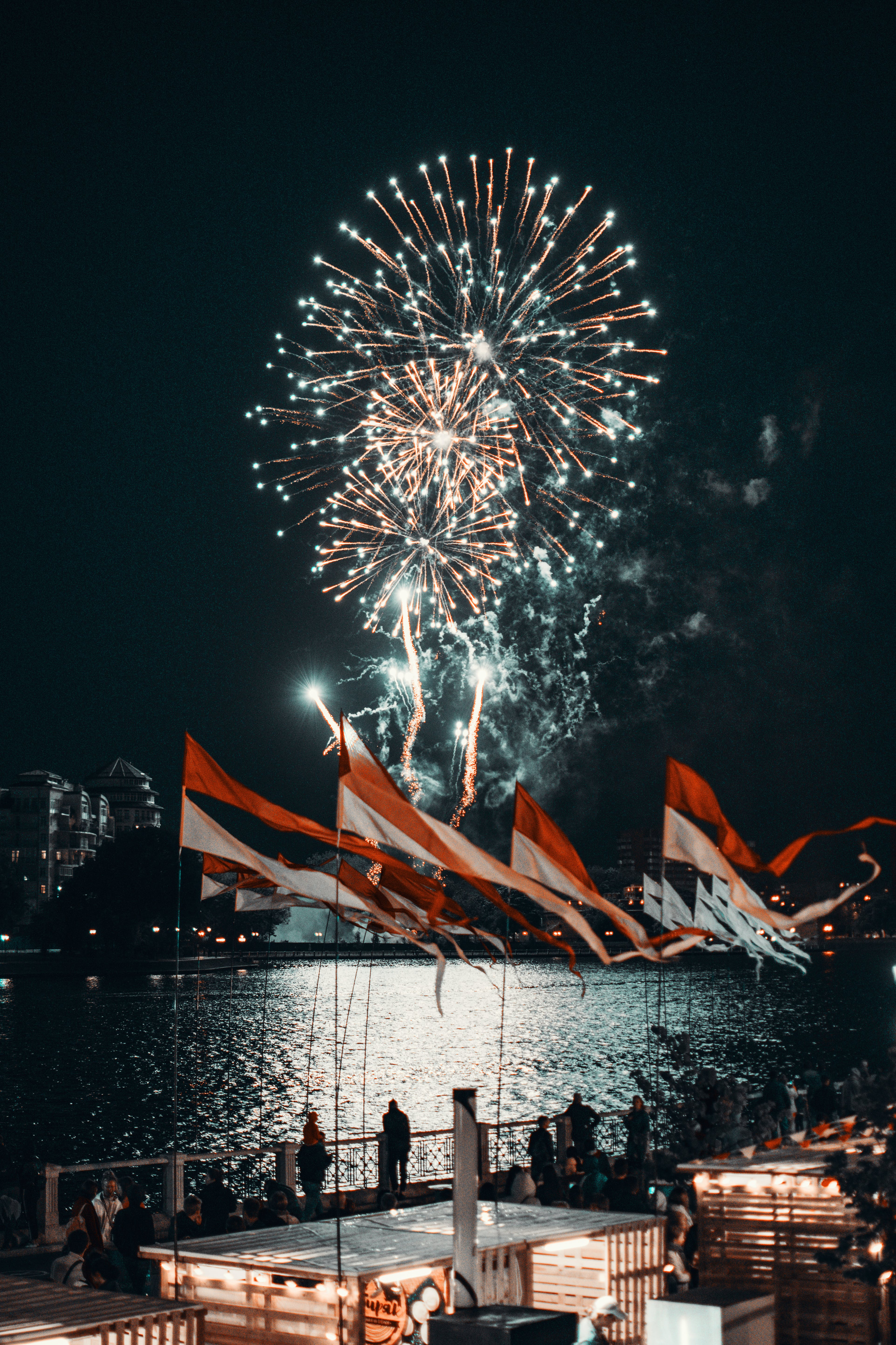 Darmowe zdjęcie z galerii z festiwal, flagi, noc, nowy rok