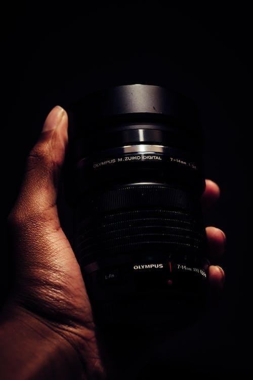 ekipman, el, kamera lensi, lens içeren Ücretsiz stok fotoğraf