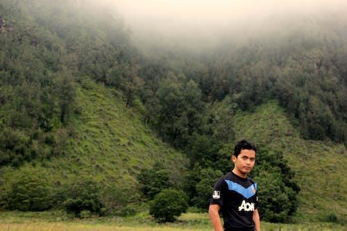 Gratis stockfoto met iemand, Indonesië, kerel, landschap
