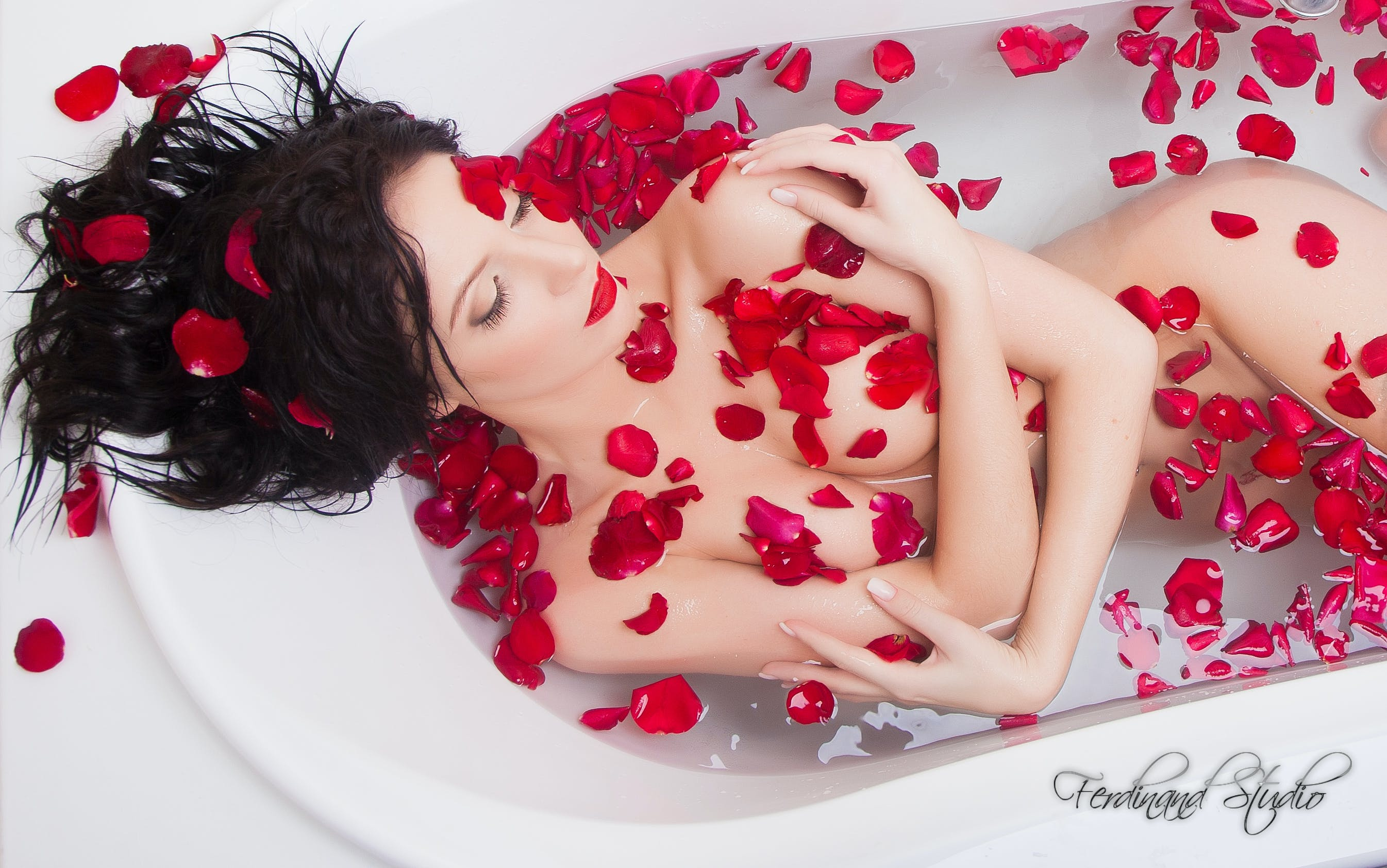 Free stock photo of bath, girl, rose, sexy