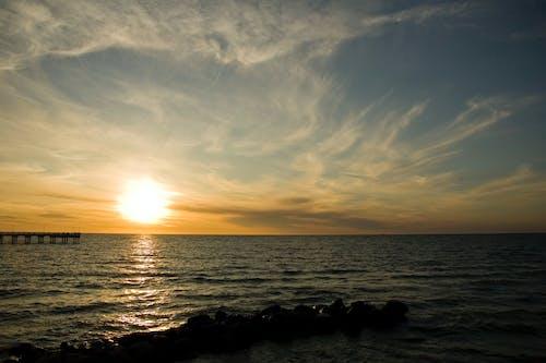 Δωρεάν στοκ φωτογραφιών με γέφυρα στον ήλιο, δύση του ηλίου, θάλασσα, καλοκαίρι