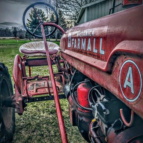 farmall, 국제 수확기, 낡은 트랙터, 농부의 무료 스톡 사진