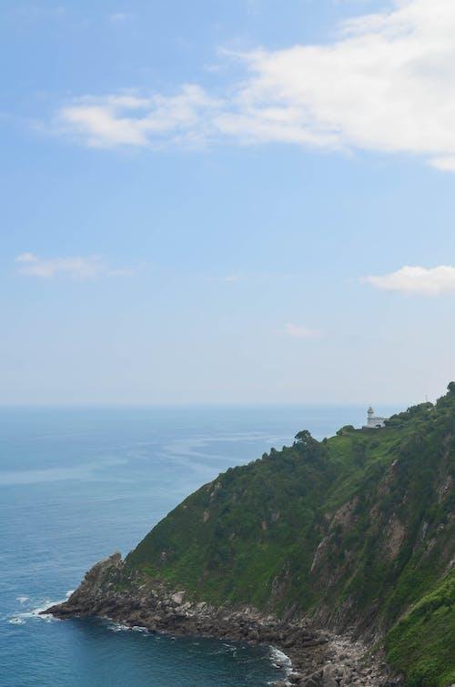 Fotobanka sbezplatnými fotkami na tému kabát, kopec, more, oceán