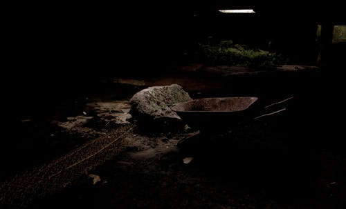 Безкоштовне стокове фото на тему «жах, колісна бочка, покинутий, Темний»