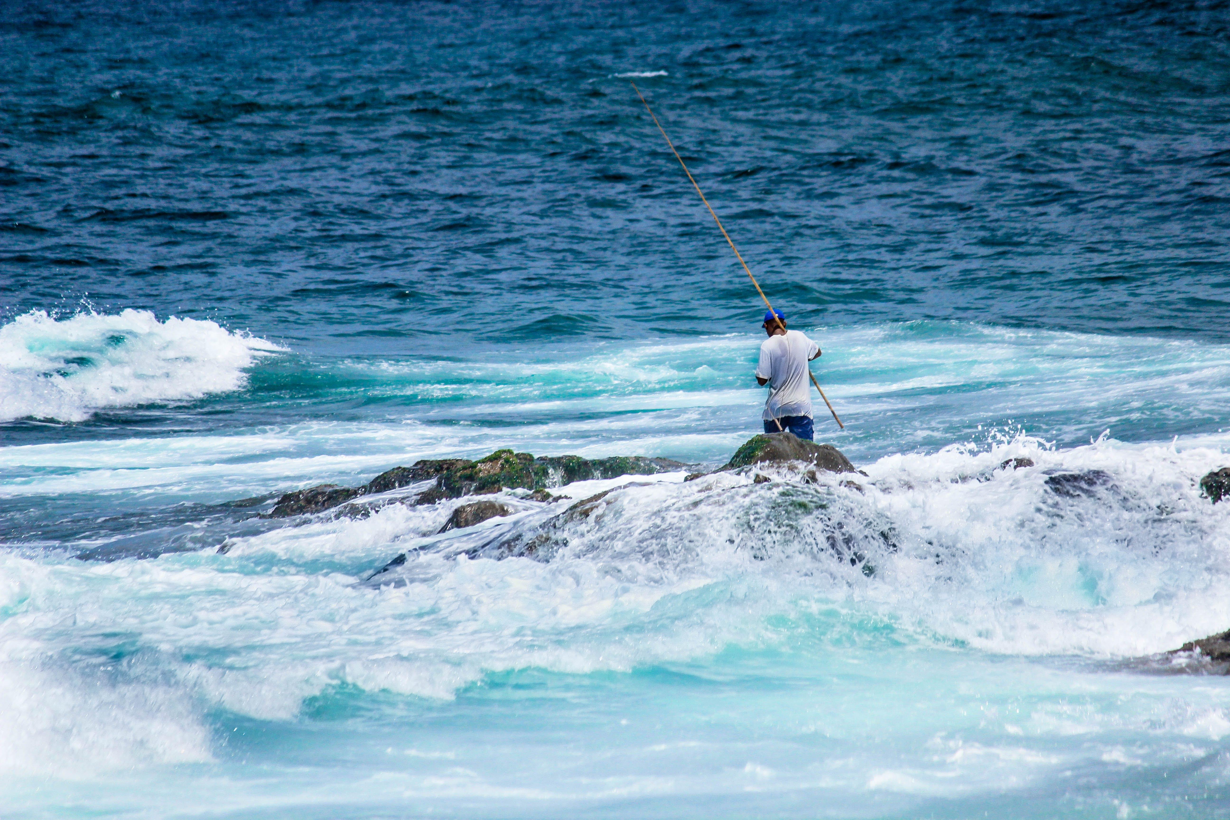 Kostenloses Stock Foto zu fischer, mann, meer, ozean