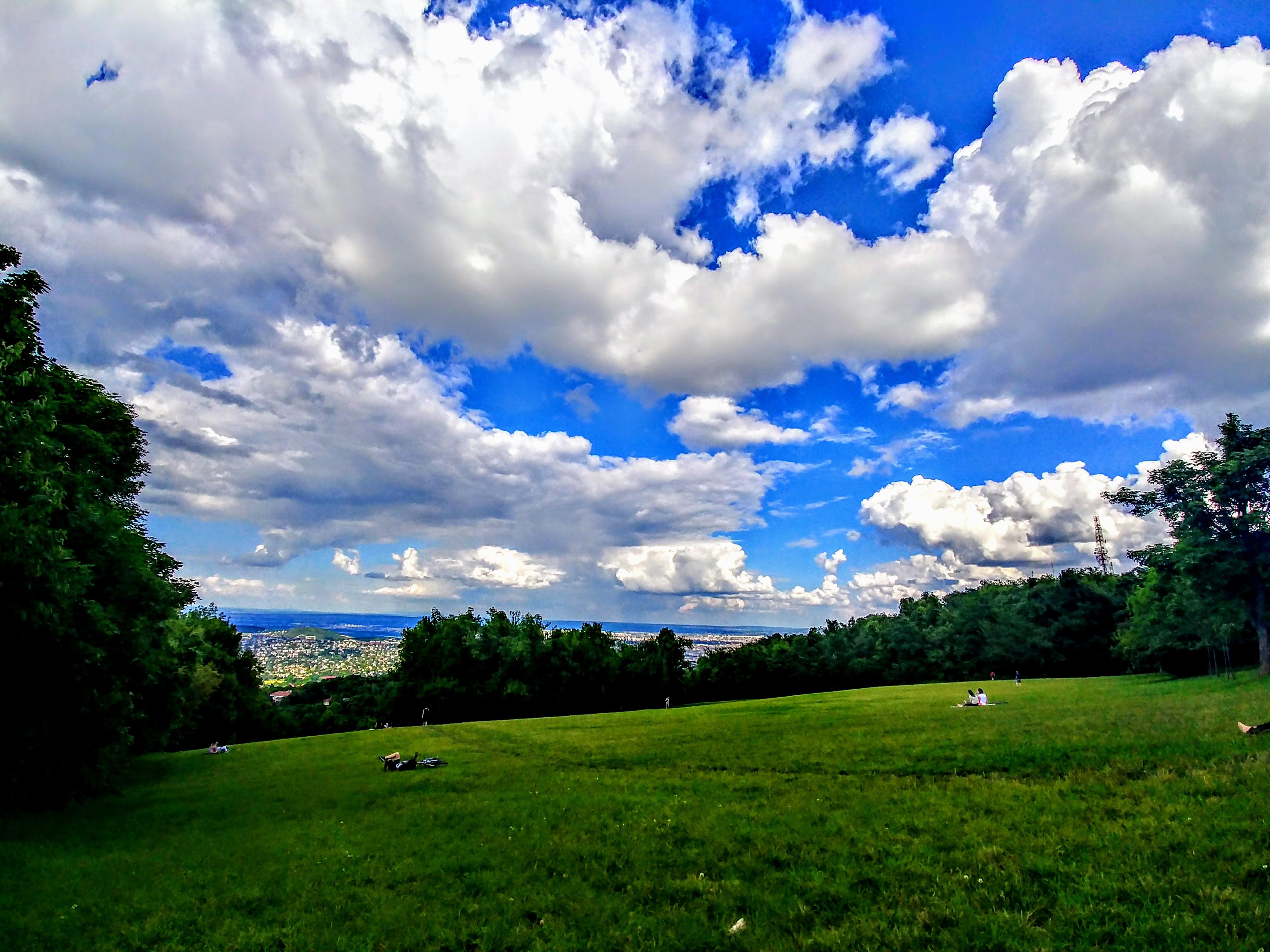 Pemandangan Langit Biru
