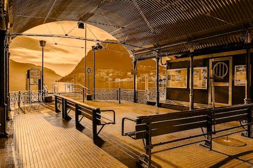Základová fotografie zdarma na téma architektura, budova, cestování, lavička