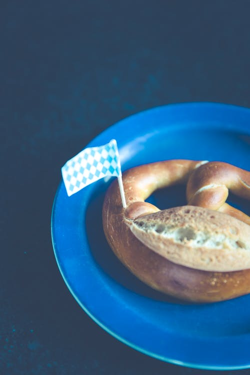 Free stock photo of bread, food, plate, pretzel